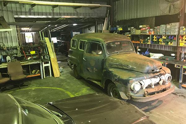 b69c220af3 Rare-1951-Ford-F1-Panel-Van-full-600x400 - Door To Door Car Carrying