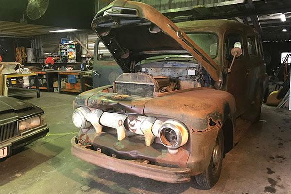 b020de7fa6 Rare-1951-Ford-F1-Panel-Van-under-hood-600x400 - Door To Door Car ...