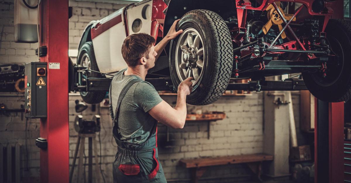 Vintage car, classic car restoration, retro car restoration, rebuilding a vintage car, car restoration expert, classic car transport, non-running car transport