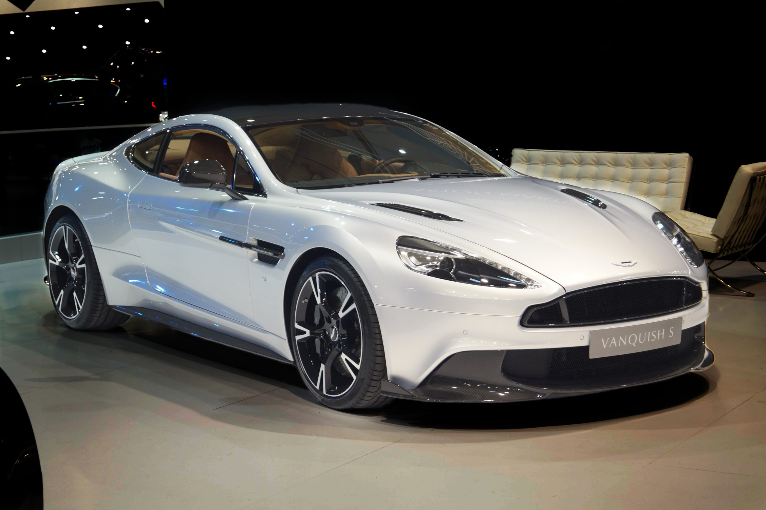 Aston Martin Vanquish - Dream Cars of the Past and Present