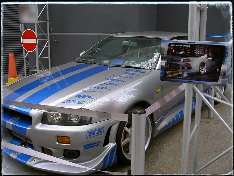 R34 Nissan Skyline GT-R - Dream Cars of the Past and Present